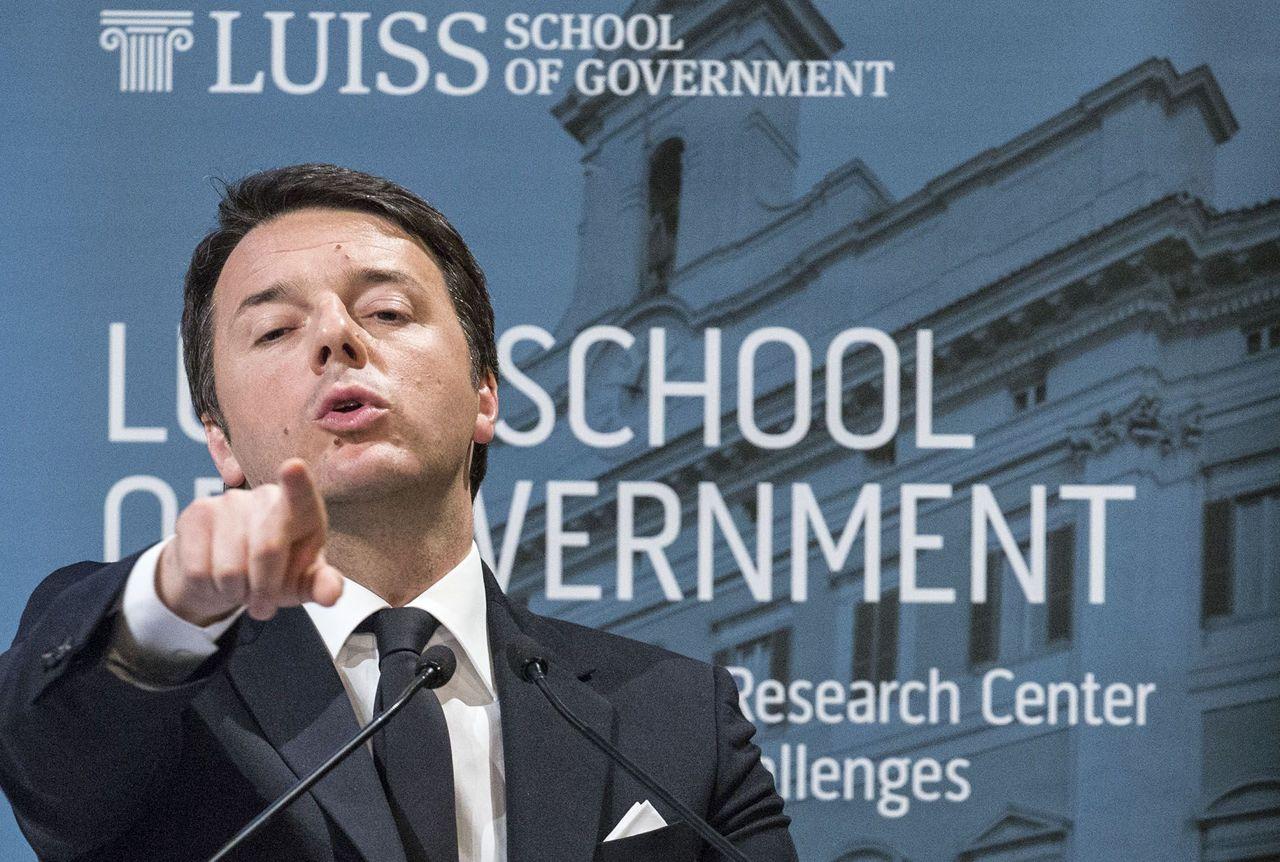 """Renzi alla Luiss School of government: """"La scommessa è la scuola"""""""