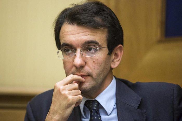 Renzi accelera sull' Italicum. E sfida minoranza Pd e Ncd