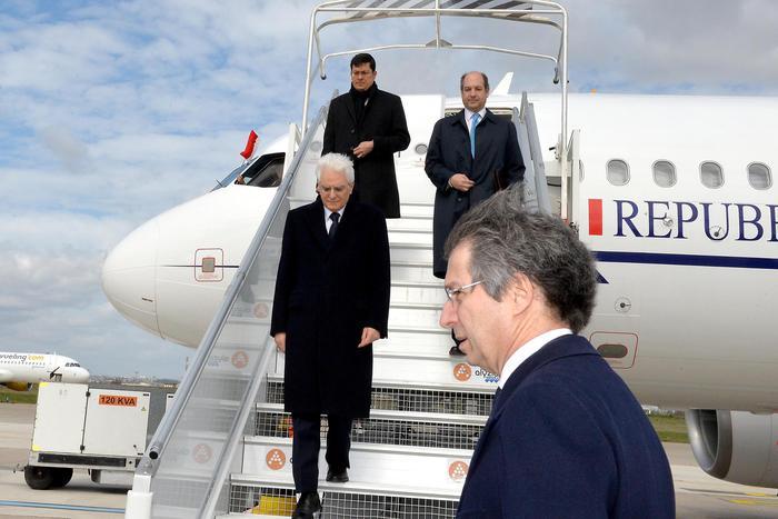 Per Mattarella visita ufficiale a Parigi e incontro con Hollande