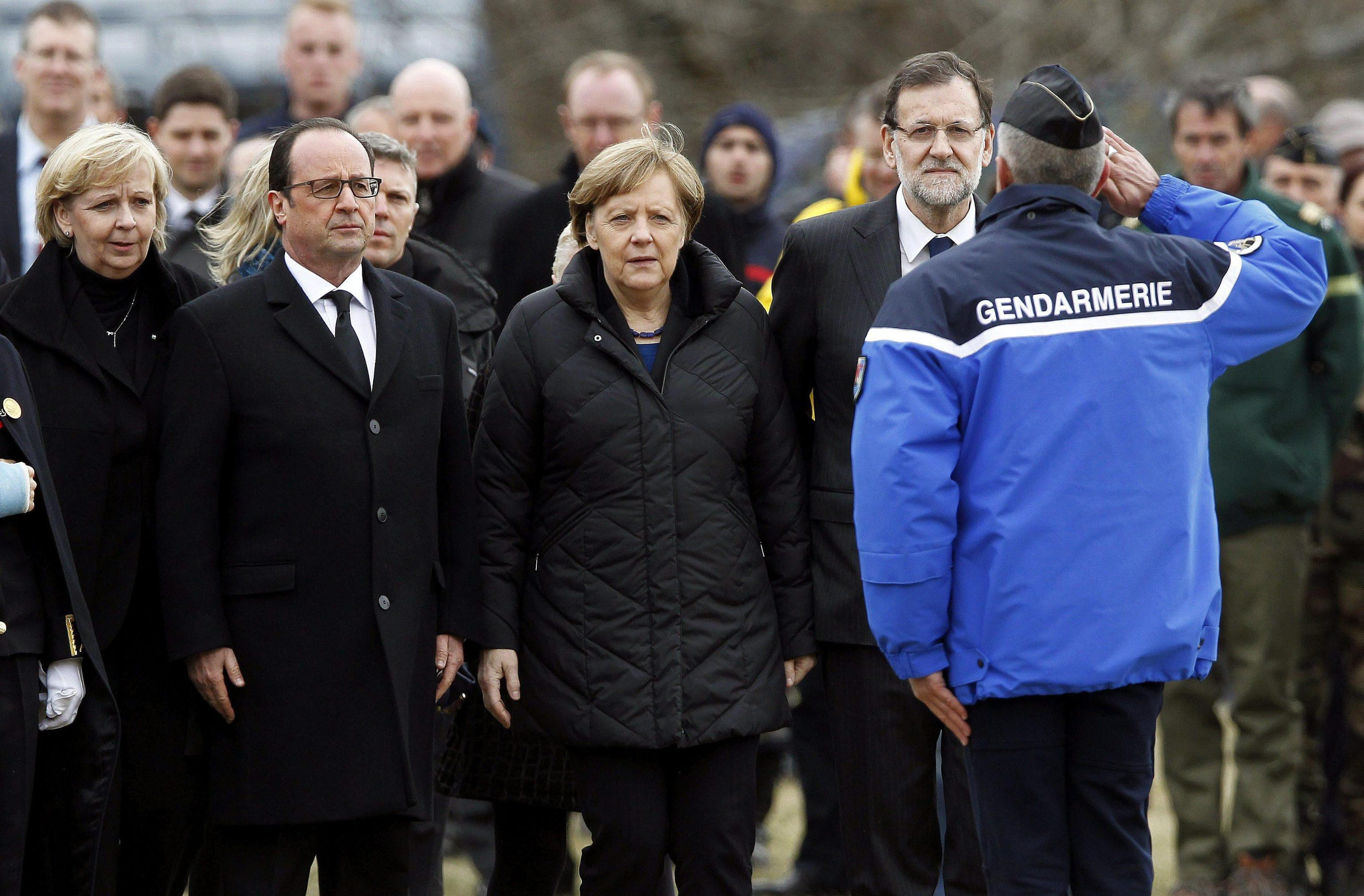Germanwings. Hollande, Merkel e Rajoy a Seyne-les-Alpes