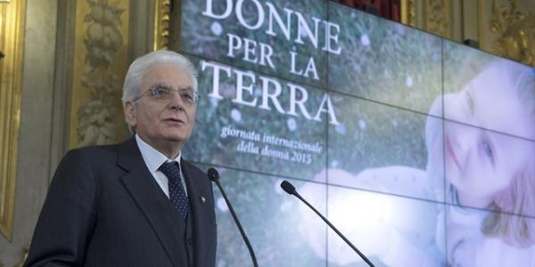"""Mattarella: """"Sulle donne grava il peso maggiore della crisi economica"""""""