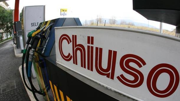 Domani stop alla benzina in autostrada. Confermato lo sciopero