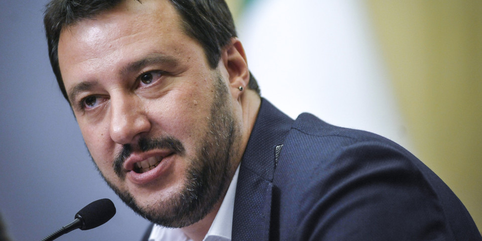 "Salvini: ""Porte aperte a tutti"", ""tranne a chi è con Renzi"""