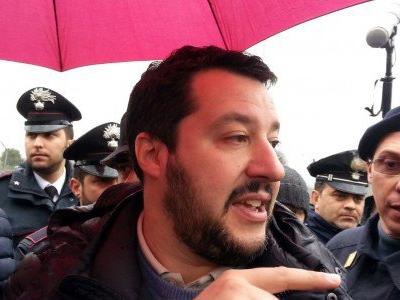 """Salvini: """"Renzi e Alfano spieghinio date e soldi o si dimettano"""""""