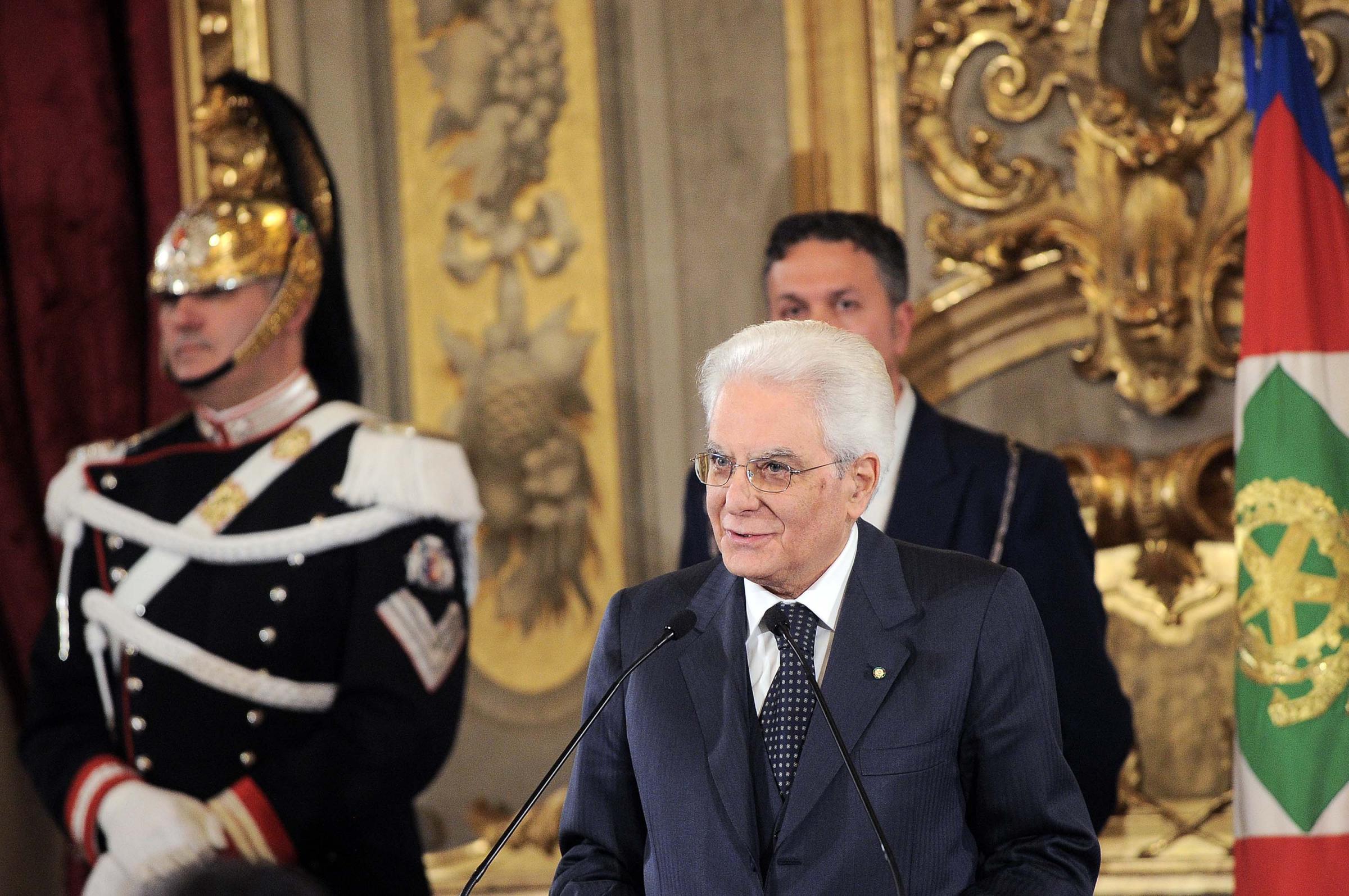 Lupi firma le dimissioni a P. Chigi e incontra Mattarella