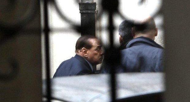 """Berlusconi: """"Un piano per recuperare il consenso"""""""
