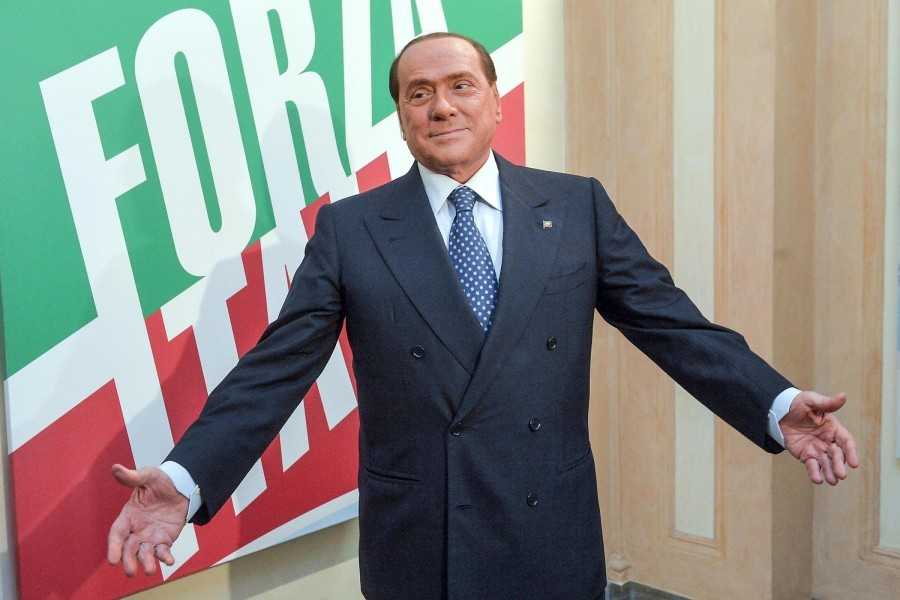 "Berlusconi: ""Renzi va fermato"""