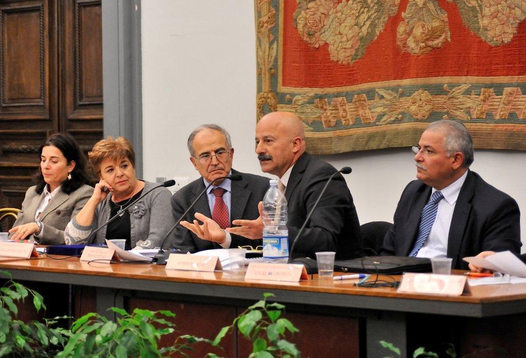 Pareggiano stranieri in Italia e italiani all'estero