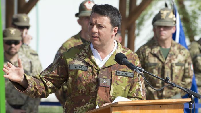 """Renzi. """"Valutiamo un altro anno in Afghanistan"""""""