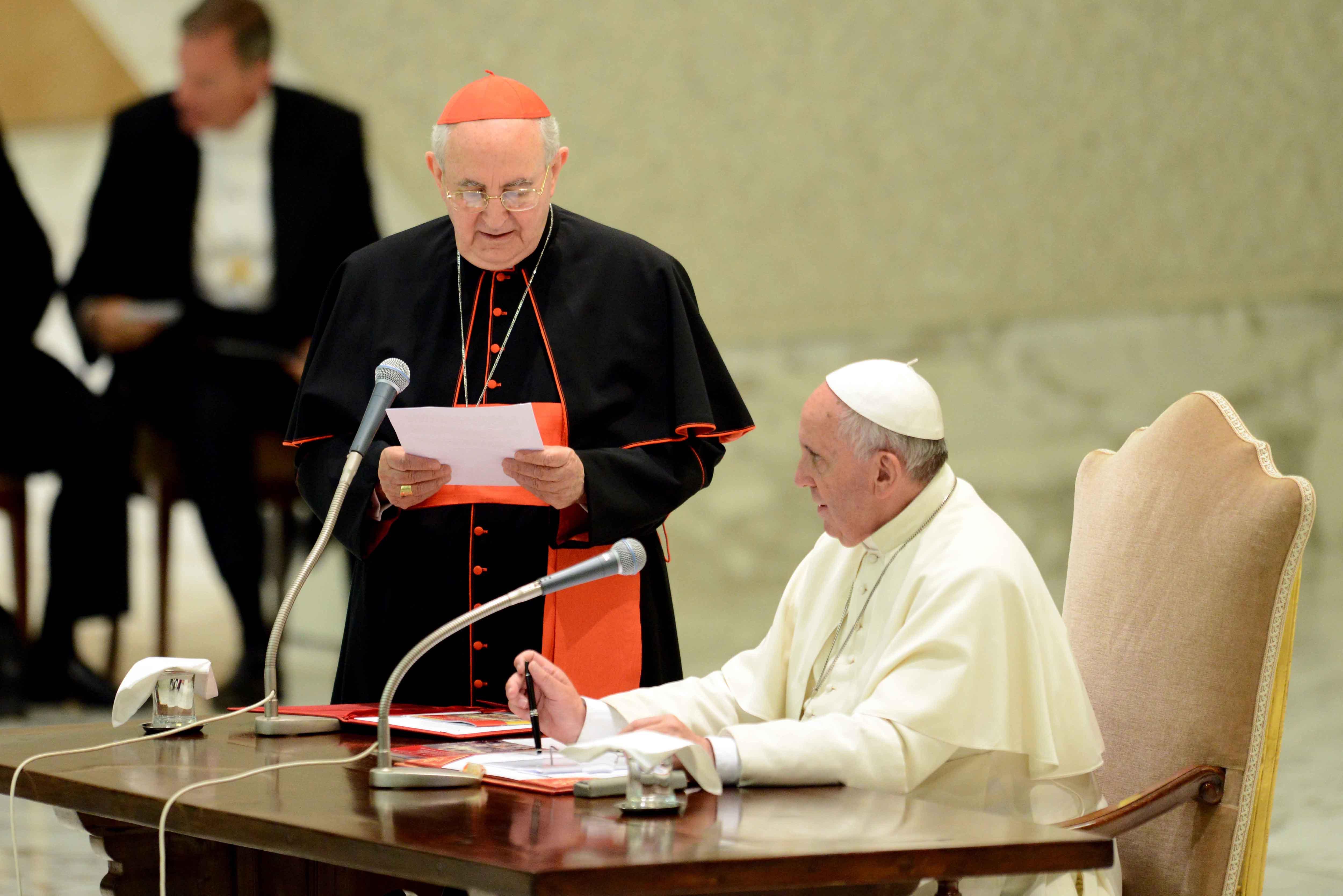 """Cardinale Vallini: a Roma """"Serve una scossa"""""""