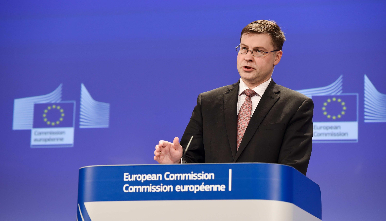 Dombrovskis. Sul fisco l'Italia non è in linea