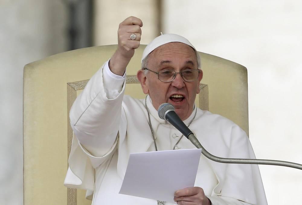 """Gli appelli del Papa: """"abolizione di guerra e razzismo"""""""