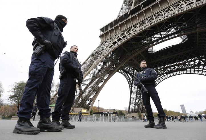 """La Francia chiede aiuto all'Ue: """"Sostegno unanime"""""""