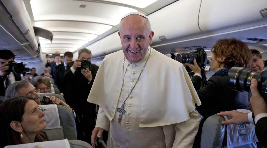 """Francesco: """"Il Papa è per tutti, non fa politica"""""""