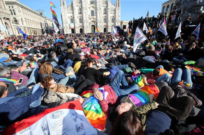 A Milano un flash mob per le Unioni civili