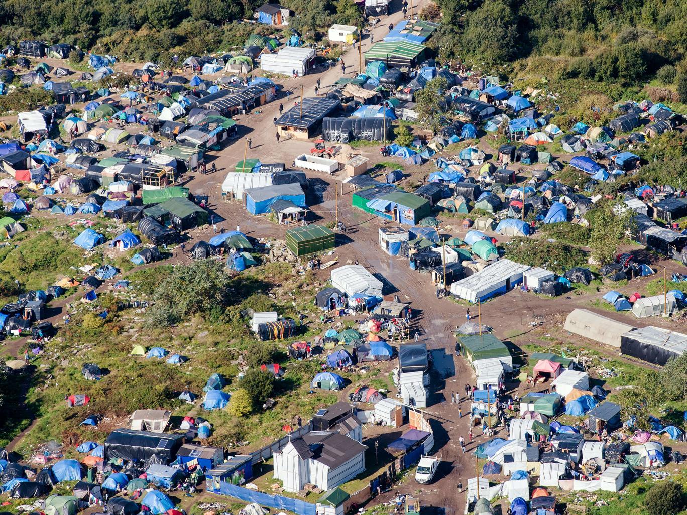 Calais. Via allo sgombero dei migranti