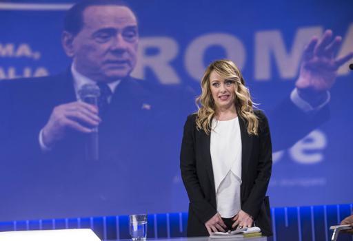 """Giorgia Meloni annuncia: """"Mi candido"""""""
