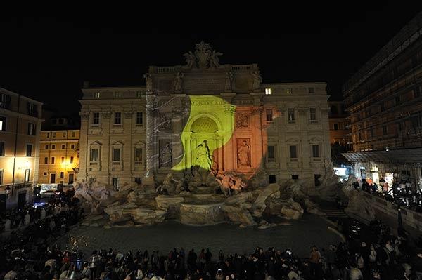 Fontana di Trevi vestita del tricolore belga