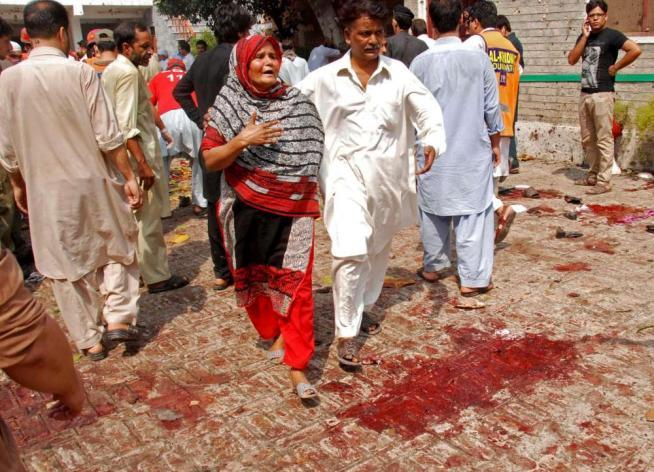 Pakistan. Strage nel parco giochi