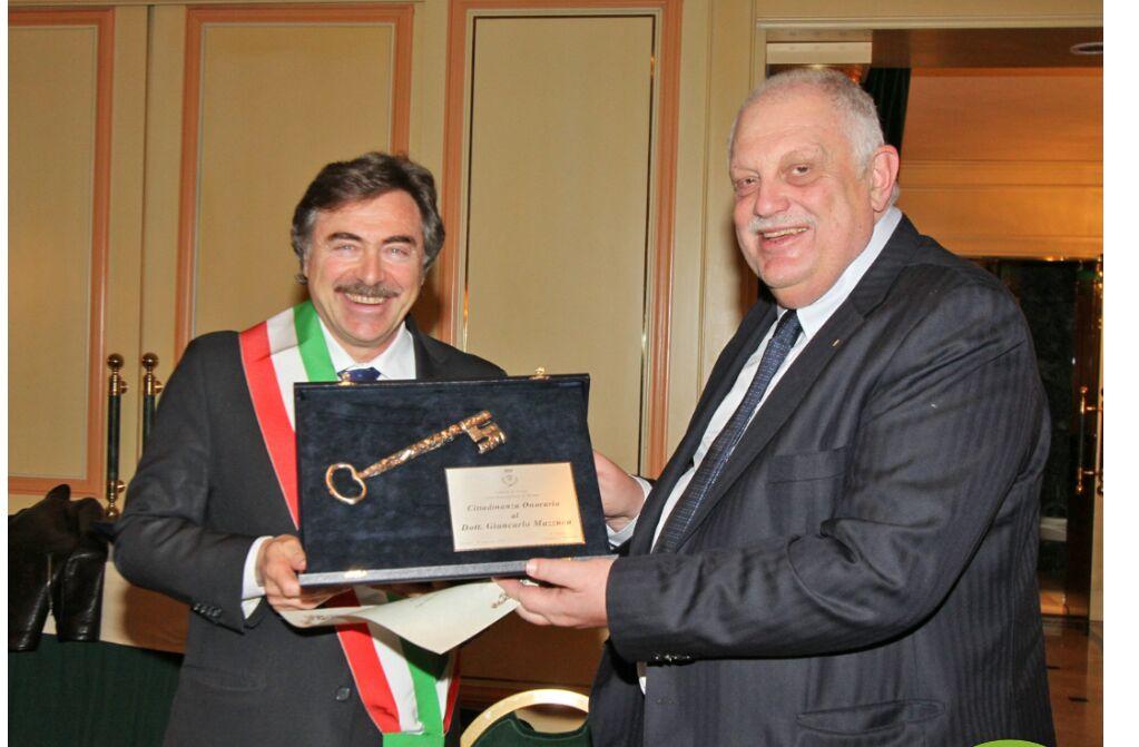 Giancarlo Mazzuca cittadino onorario di Assago, la Capitale dei Grandi Spettacoli italiani