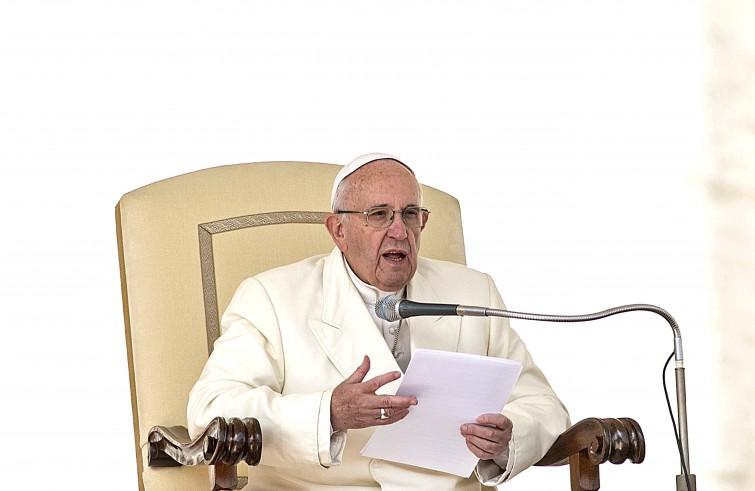 Papa Francesco prega per Bruxelles