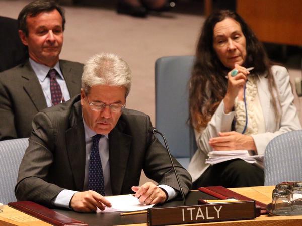 """Libia. Gentiloni: """"L'Italia è pronta alla guida"""""""