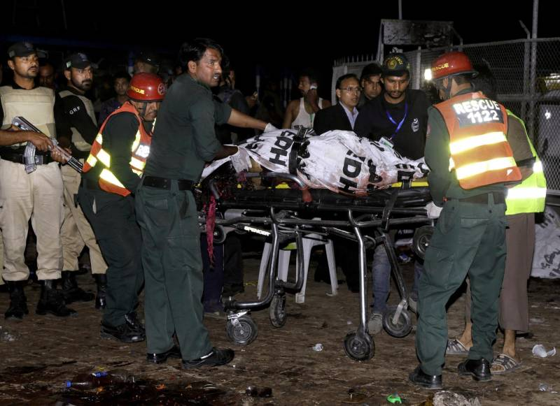 Strage di cristiani a Lahore, sono 72 i morti