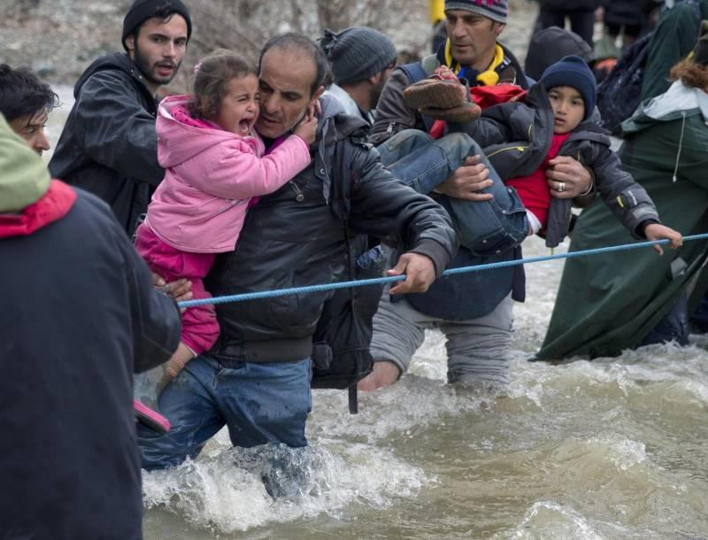 I migranti entrano in Macedonia