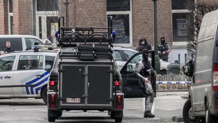 """Parigi. Arresti per un attacco """"imminente"""""""