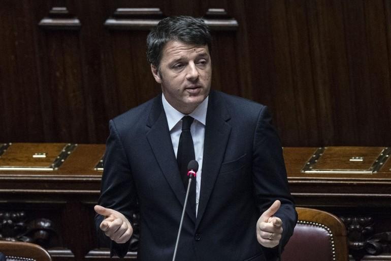 Renzi replica alla Camera sulle riforme. Ma l'Aula è semivuota