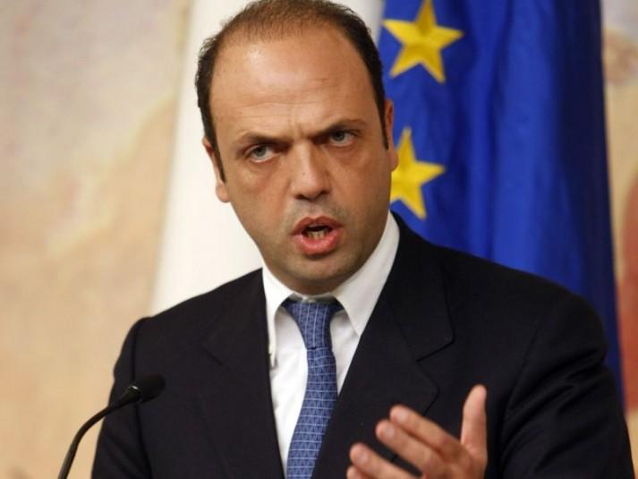 """Alfano ritira la proposta: """"Si voterà solo domenica"""""""