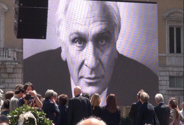 Oggi a Piazza Navona il funerale laico di Marco Pannella