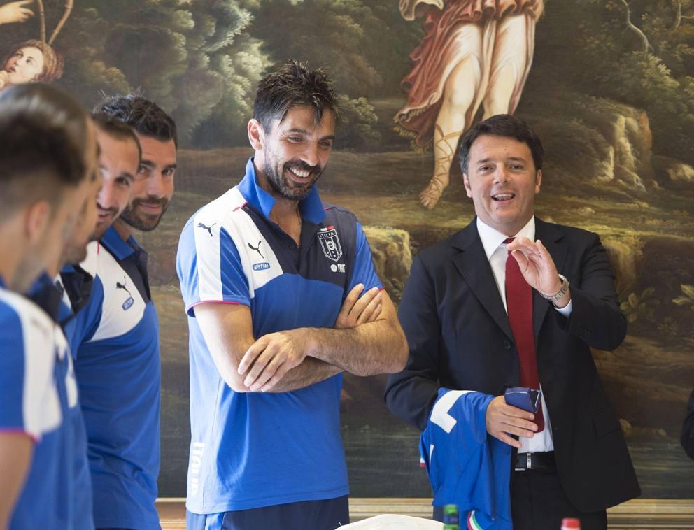 """Ferilli vota Raggi? A ruota Buffon: """"Mi piace Renzi"""""""