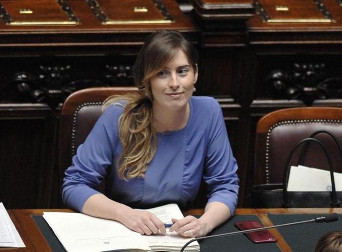 Il governo chiede la fiducia alla Camera sul ddl Unioni civili