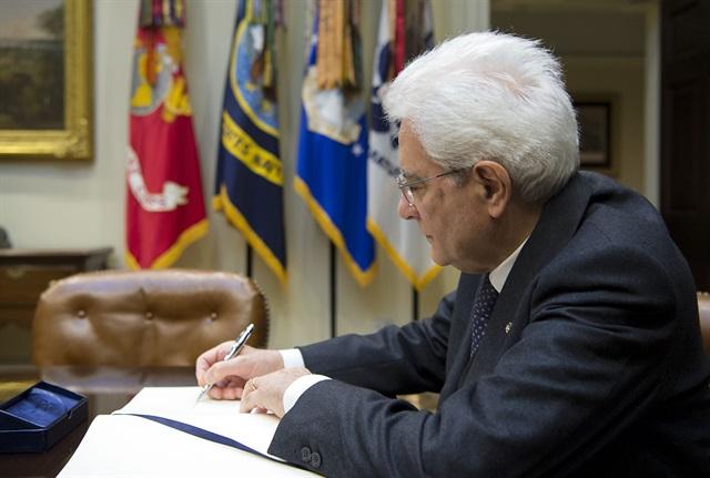 Mattarella firma la legge sulle Unioni civili
