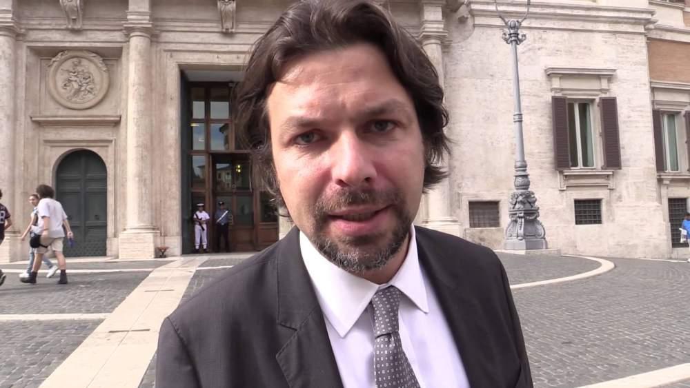 """Dal M5s una """"Carta dell'Onestà"""" contro la corruzione"""