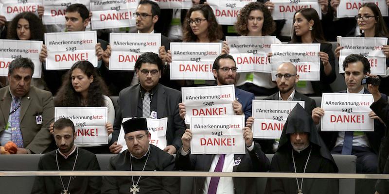 """Germania: """"La strage degli armeni fu genocidio"""""""