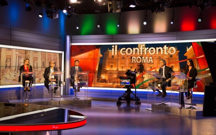 """Virginia Raggi vince il """"voting"""" di Sky: """"Si sono mangiati Roma"""""""